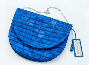 Blue-ball-sculpture-purse